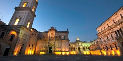 Lecce Guided Walking Tour with visit of an ancient aristocratic palace